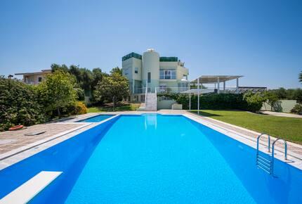 Stunning villa for private Escape