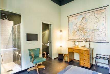 Arnobio Florence Suites (HS)