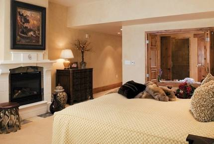 6-night stay in 3 Bedroom at The Residences at The Chateaux