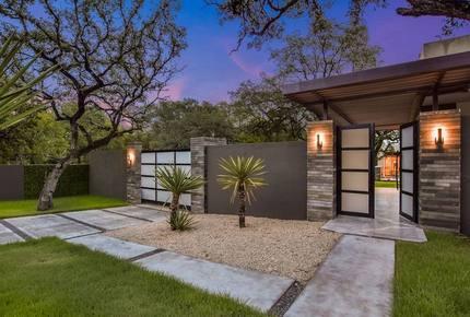 ABOVE - Pinnacle Estate - Austin, Texas
