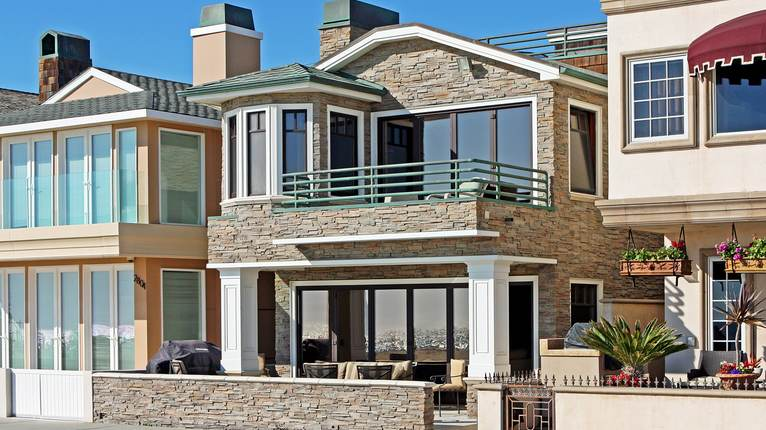 Orange county beach house newport beach california for Mansions in orange county