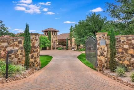 ARRIVE - Seven Oaks Estate