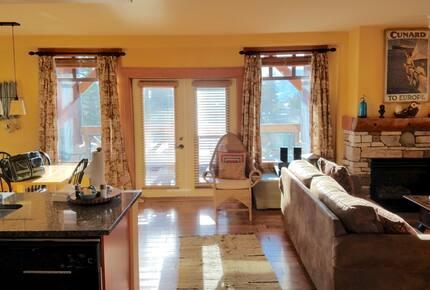 Mammoth Village Luxury Retreat
