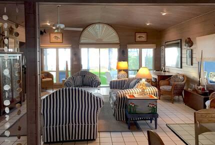 Seagrape Cottage