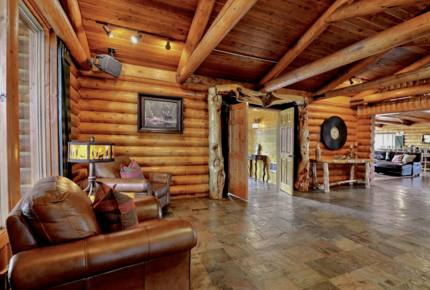 Timber Moose - Largest Private Log Cabin in America
