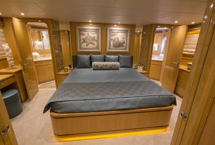 "Hargrave - 80-Foot Yacht ""Perfect Sense"" 5 night stay"