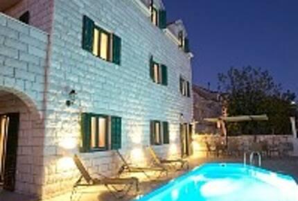 Villa Monica - Lozisce Village, Croatia
