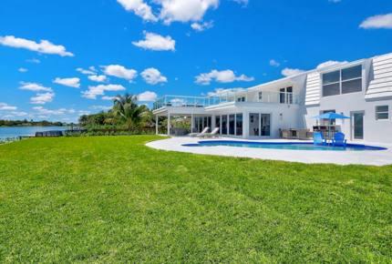 The Carson Modern Lake House