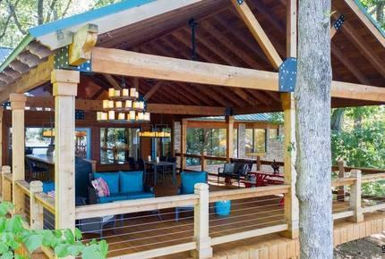 The Treehouse at Lake Cypress