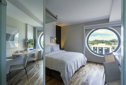 Hotel Unique (HS)