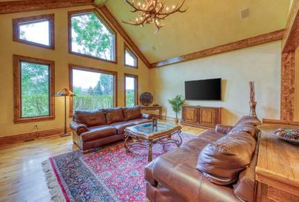 Luxury Colorado Paradise - Dog-friendly, golf course-front home! - Carbondale, Colorado