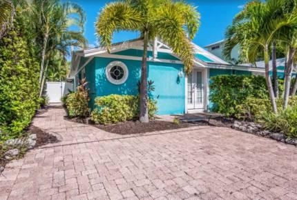 Mermaid's Hideaway Villa - Holmes Beach, Florida