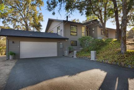 Modern Sonoma County Retreat - Private Access to 300 Acres of Wilderness!