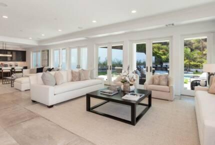 Beverly Hills Stunner