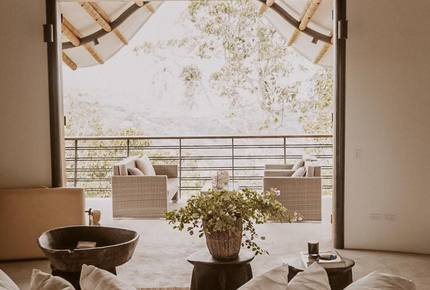 Casa Aya - Fully Staffed High Luxe Estate in Popular Apapoima