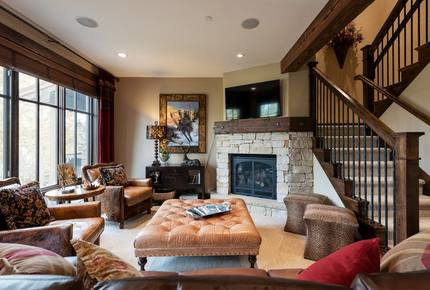 Ski-in/Ski-out Silver Star Luxe Townhome