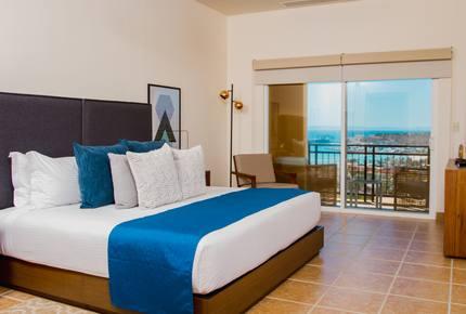 Las Colinas: 3 Bedroom