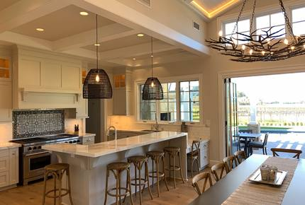 Heart of Napa Valley Luxury Home and Guest House - Walk to French Laundry and Countless Tasting Rooms!