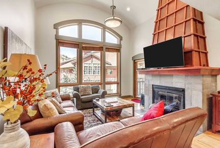 Ski-in/Ski-out Solitude Luxe Townhome