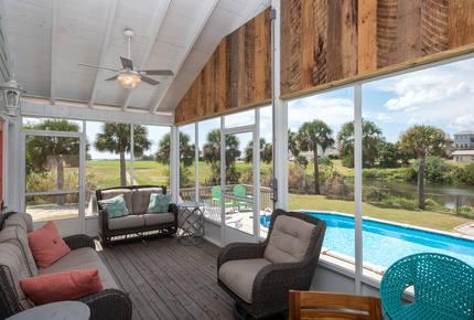 Leo's Hideaway - Panama City Beach, Florida
