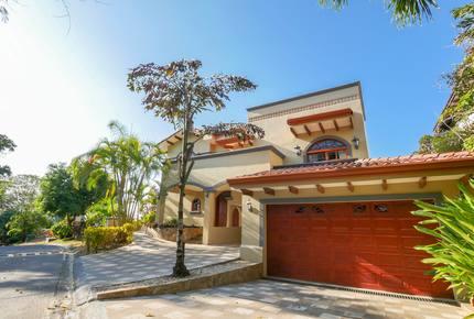 Herradura Bay Luxury Villa