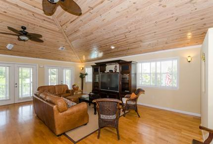 Oceanfront Luxury Lodge and Cottage - Marathon, Florida