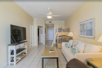 One Bedroom Beachfront Getaway with Resort Style Amenities