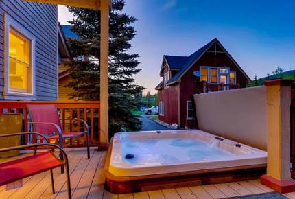 Breckenridge Luxe Townhome - Close to Everything!