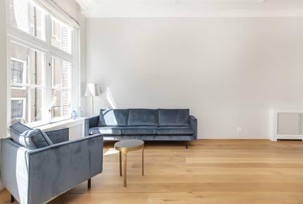 Chic Amsterdam Apartment - Amsterdam, Netherlands