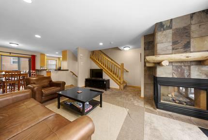 3 Bedroom Townhouse in Perfect Winter Park Location - Winter Park, Colorado