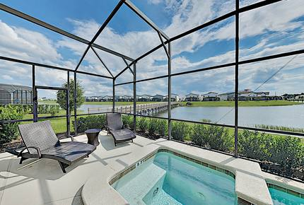 Lakeside Castle Villa with Private Pool & Spa - Kissimmee, Florida