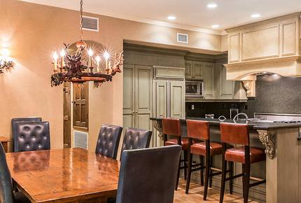 Big Bear Large Luxe 4 Bedroom Townhome - Great for Ski and Summer! - Big Bear Lake, California