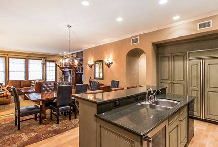 Big Bear Large Luxe 4 Bedroom Townhome - Great for Ski and Summer!