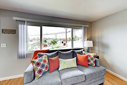 Updated, Contemporary Home w/ Bay Views Near Gaslamp