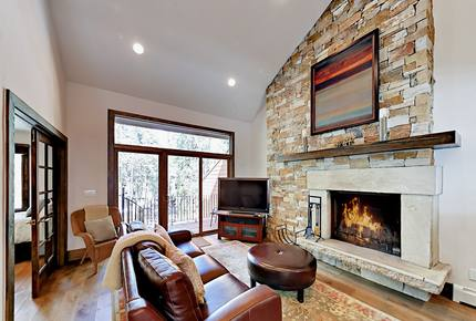 Stunning Showstopper with Balcony & Fireplace - Vail, Colorado