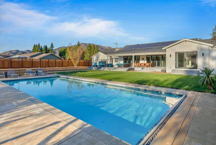 Luxe New Wine Country Gem w/ Backyard Eden & Pool