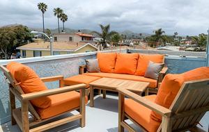 Beachside Beauty - Walk to Beach, Dining & Shops - Ventura, California