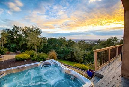 Spacious Santa Rosa House w/Hot Tub