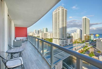 New Listing! Luxury Condo w/ Infinity Pool - Hallandale, Florida