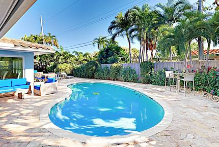 Walk to Beach! Luxury Home with Heated Pool