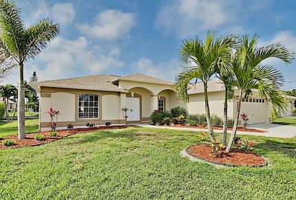 New Listing! Waterfront Getaway w/ Private Pool - Cape Coral, Florida