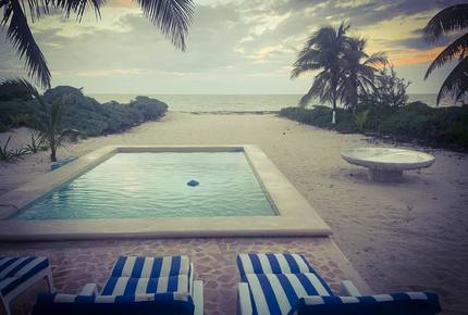 Beach front house with pool in Yucatan