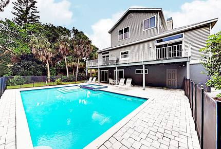 Spacious Siesta Key Paradise w/ Private Pool, Spa