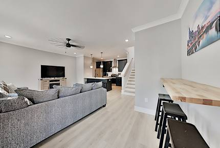 2 Brand-New Townhomes w/ Luxe All-Suite Layouts - Nashville, Tennessee