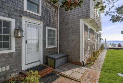 Provincetown Waterfront Quintessential Cottage
