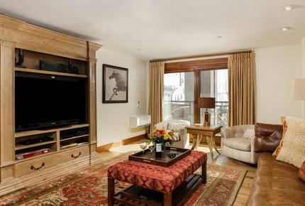 Gondola Plaza - 3 Bedroom Residence