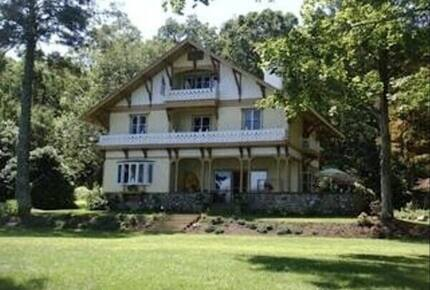 Lakefront Victorian Estate - East Haddam, Connecticut
