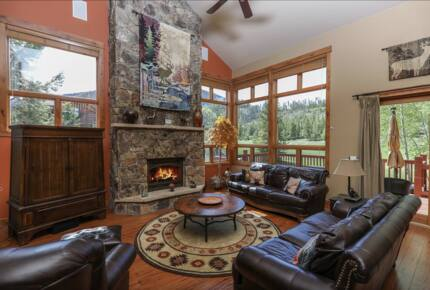 Elk Circle Luxury Mountain Home - Close to all Summit County Skiing!