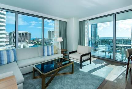 Ritz Carlton Waikiki - Honolulu, Hawaii