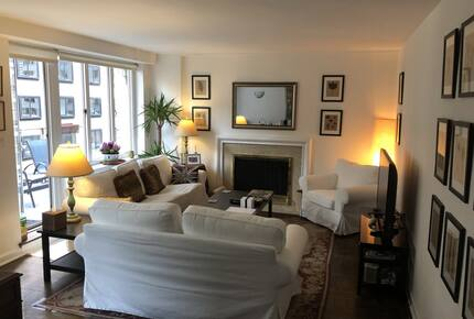 Central Park South - Luxury 2 Bedroom Apartment - Full Service Building - New York City, New York